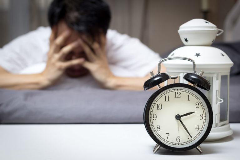 Nyugtalan éjszakák - az alkohol segíthet?